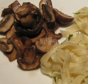 Fresh Pasta with Sauteed Mushrooms